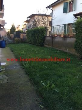 ... bagno, box e giardino privato posto sui due lati. € 100.000,00 Rif
